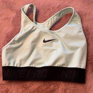 Nike Pro Dri-Fit Sports Bra Medium in EUC